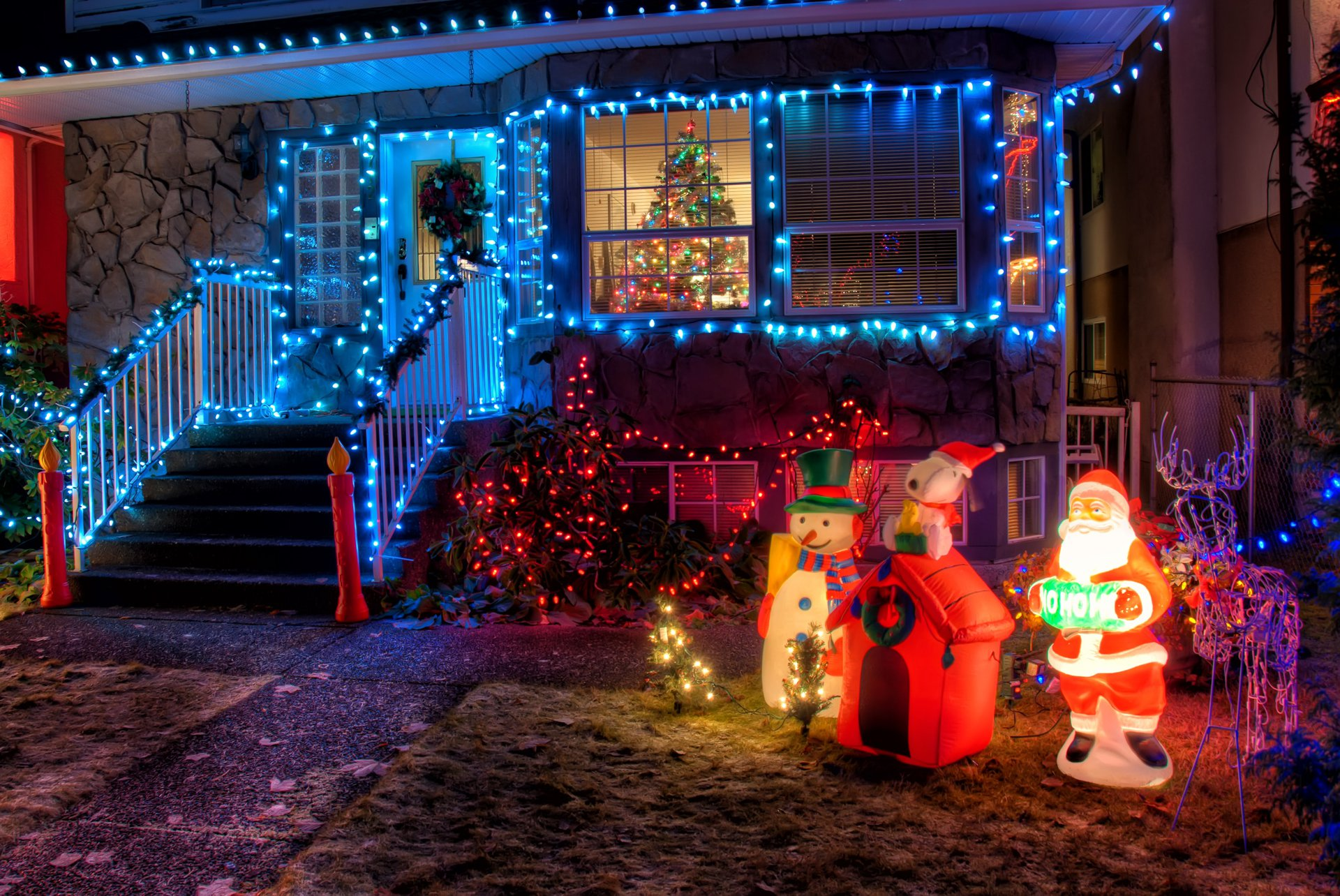 holiday lawn decorations